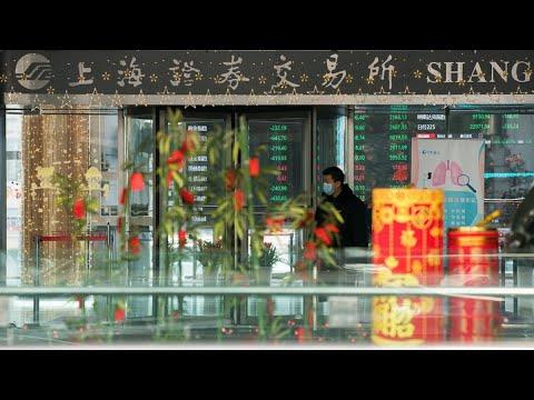 China Convenes Banks in Bid to Restore Market Calm