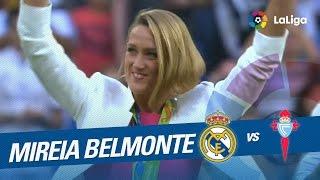 Saque de honor de Mireia Belmonte en el Santiago Bernabéu