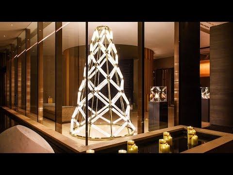 Lasvit and Yabu Pushelberg unveil illuminated glass Christmas tree in Hong Kong