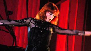 Florence + the Machine Live @ Hammersmith Apollo - Drumming Song