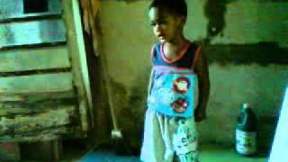 criança de 2 anos dançando funk demais