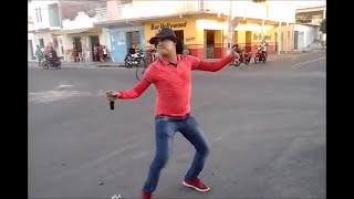 Show de rua com Virgílio Neto.
