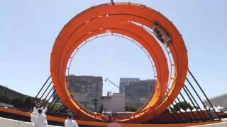 HOT WHEELS  DOUBLE LOOP a new  world  record = insanely cool video