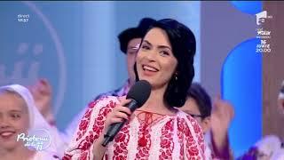 """Raluca Burcea și Scoala de dans românesc """"Larisa și Marin Barbu"""" la Prietenii de la 11"""