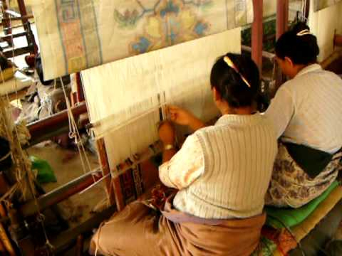 Tibetan Weaving in Nepal 2
