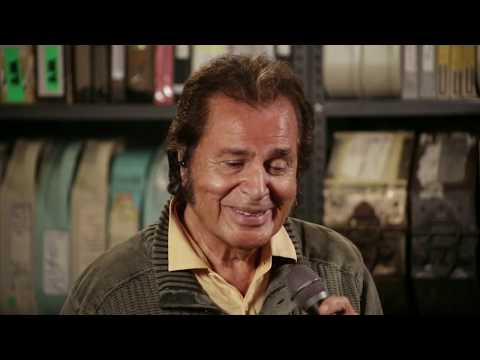 Coming Home For Christmas 2019.Engelbert Humperdinck Driving Home For Christmas Paste