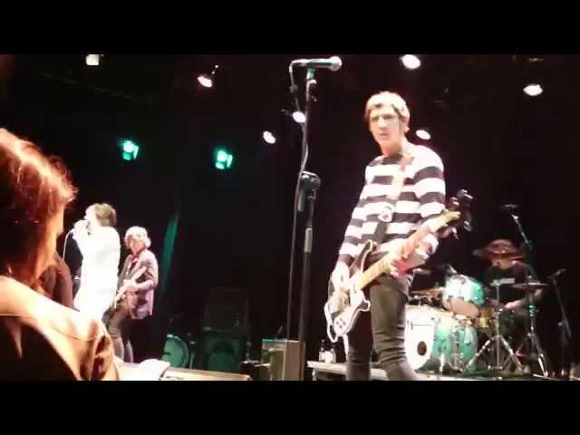 Vídeo de un concierto de Lie Detectors en Donosti.