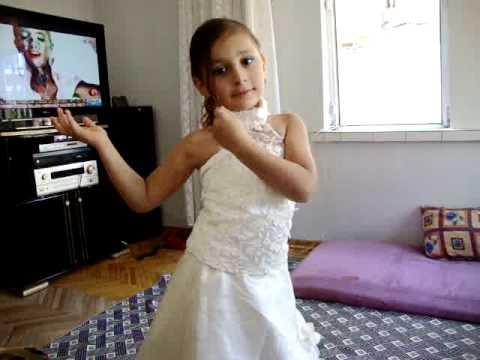 prenses senanur 5 yasinda harika dansi