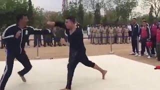 akshay kumar karate fight with an IPS officer
