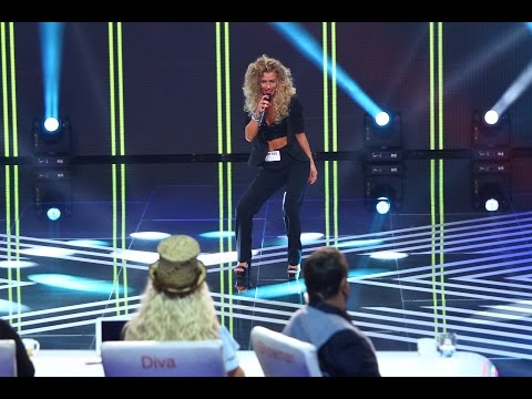 "James Brown - ""This is a man's world"". Vezi aici cum cântă Ionaşcu Cristina Isabela la X Factor!"