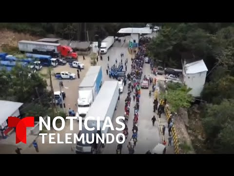La segunda caravana migrante cruza a Guatemala | Noticias Telemundo