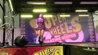 """Victoria canta """"Solo Se"""" en el Miami Family Event"""