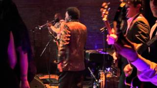 Lee Fields & The Expressions live @ The Beatclub - Hanging On