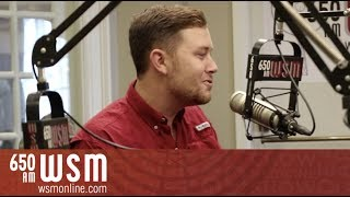 """Scotty McCreery Covers Elvis' """"That's All Right"""" 