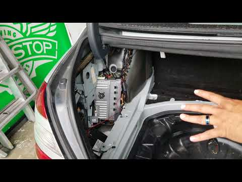 2008 Mercedes S550 How to locate the trunk battery