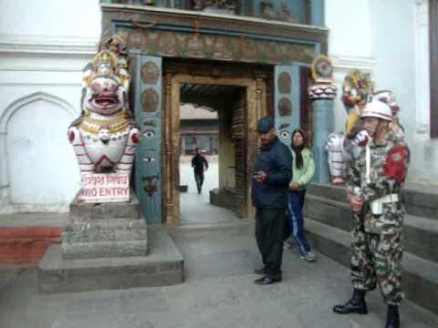 06 Juan Lázara y Shreekrishna con  Hanuman tapado.MPG