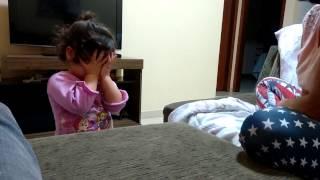 Charlotte orando