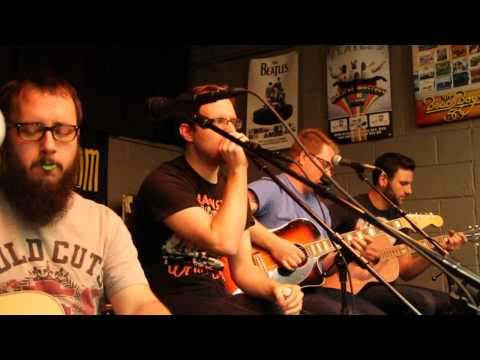 the-wonder-years-dont-let-me-cave-in-acoustic-5-14-13-feet-first-productions