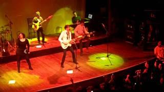 Calaveras- Benny Ibarra-En Vivo
