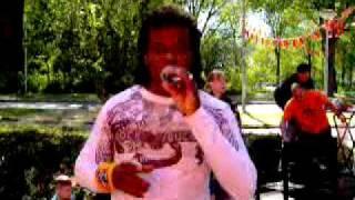 Dennis Isidora zingt  (salsacover)
