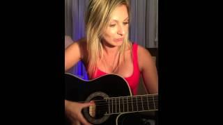 Priscila Spinelli - Atriz - Cantora - Pot Pourri com violão