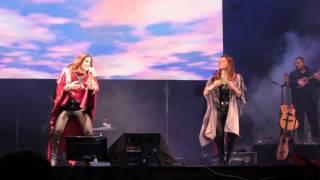 Soledad y Natalia en Morón 04-10-2015 -Tren del Cielo- (Gaby Raptor)