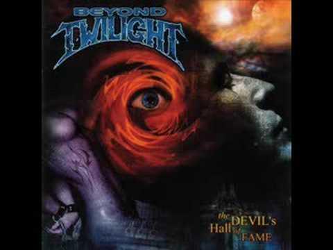 beyond-twilight-shadowland-vandroy3