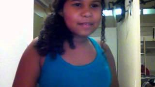 Menina de 11 anos cantando Christina Perri - A Thousand Years.