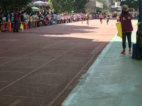 六年級男生100公尺 張澈 - YouTube