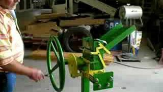 mechanical can crusher