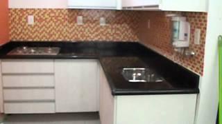 Instalação de bancada, coocktop e pia em Granito Preto