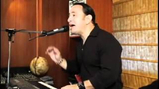 Mi Niña Bonita  version acustica Chino y Nacho canta  Victor www bajaryoutube com