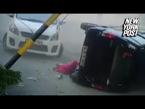 O femeie scapa miraculos de un accident