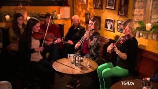 Geantraí na Nollag 2013 | Lá Nollag ar TG4 | Zoe Conway,Tara Breen &Lydia Warnock