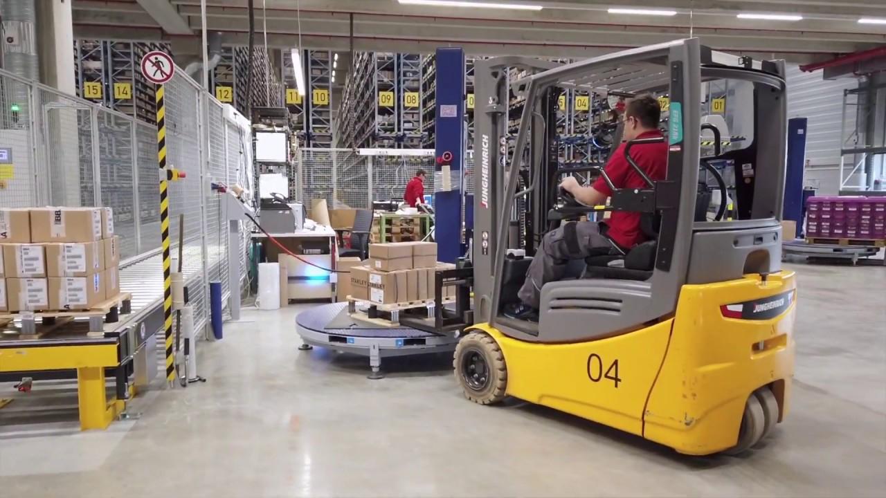Ergonomische Verpackungslinie und Palettentransport