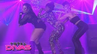 """Naomi's music video shoot for """"Dance All Night"""" is a disaster: Total Divas Preview, April 13, 2014"""
