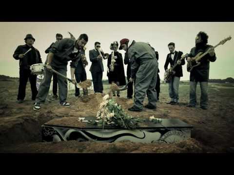El Muerto de Selva Sur Letra y Video