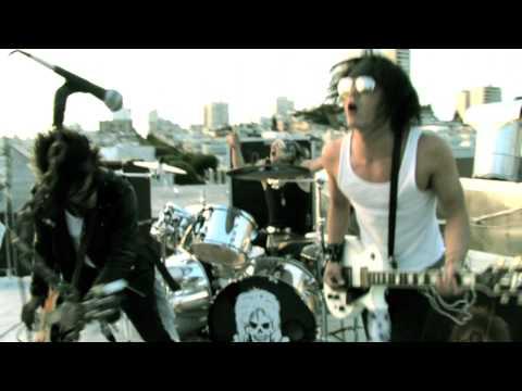 Midnight Ride de Dirty Penny Letra y Video