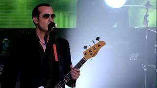Stone Temple Pilots - Between The Lines [Alive in the Windy City] HD