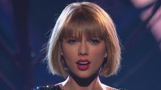 Taylor Swift Opens the GRAMMYs With No Mention of Kanye West