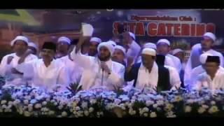 Habib Syech Melantunkan Lagu Syubbannul Wathon