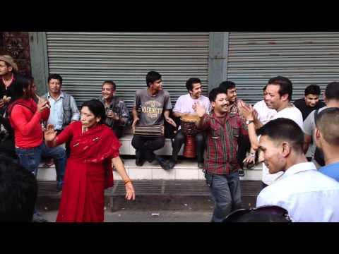 Impromptu street music in Kathmandu