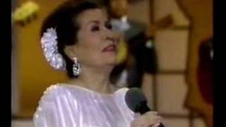 """Lola Beltan """"Cuando Dos Almas"""" with Mariachi America"""