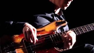 Bach Cello Suite No.1 Prelude - Solo Electric Bass