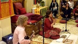 Om Mani Padme Hum (Video clip del concierto de cantos de mantras)