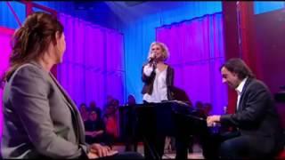 Nathalie Lermitte chante le cake de l'amour