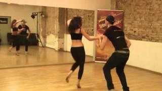 Salsa Cubana we Fly Dance Academy - Me mantengo (Los Van Van)