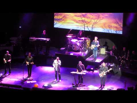 the-beach-boys-farmers-daughter-live-the-gig-channel