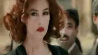 Julio Iglesias   'Esta Cobardia'  Monica Bellucci