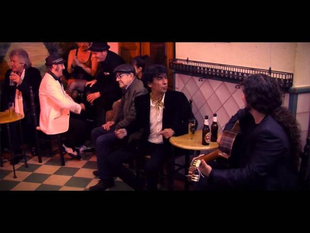 """Videoclip oficial de la canción """"Al abandono"""" de Tomasito."""